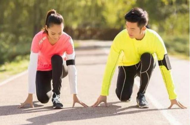 新跑步者常见问题解答:跑什么速度,跑多少距离和每周跑几天?