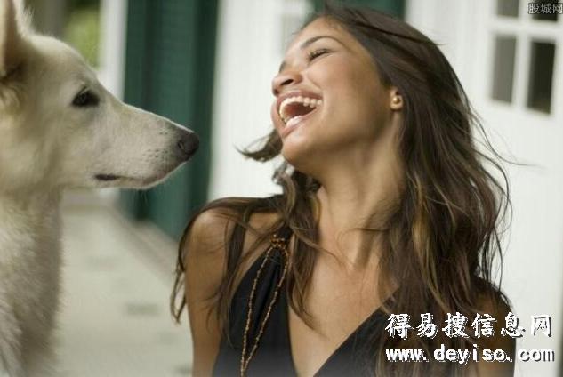 现在城里为什么有很多女的爱养大型的公狗,是怎么回事?