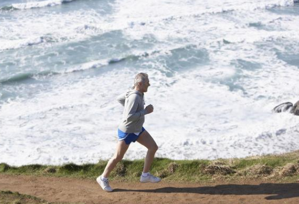 年过50岁的人怎么锻炼自己的身体