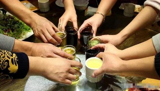 喝酒的好处和坏处?